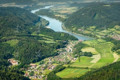 Kartause Aggsbach in Aggsbach Dorf im Dunkelsteinerwald. Luftauf